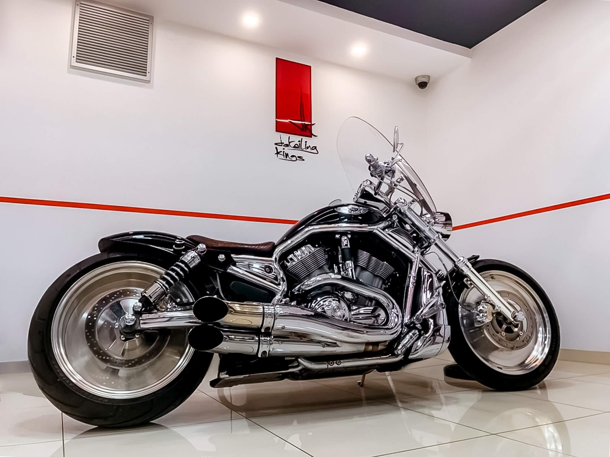 DK gallery photo 4 polished motorcycle